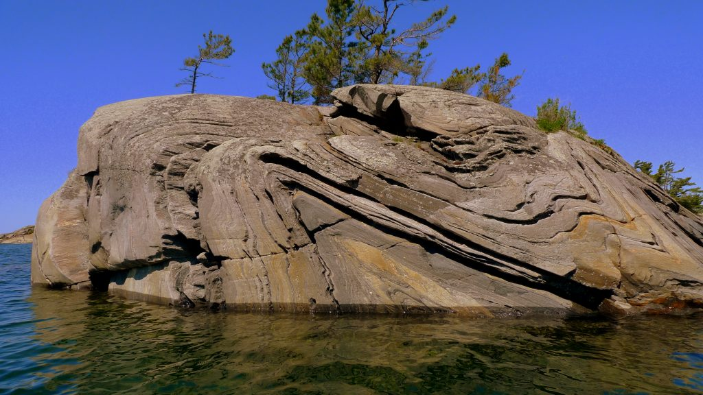 --https://farm3.staticflickr.com/2485/3795322402_9a72d2754e_o_d.jpg<br /> --Parry-Sound-Ontario-Canada-Anticline-Syncline-3795322402_9a72d2754e_o_d.jpg